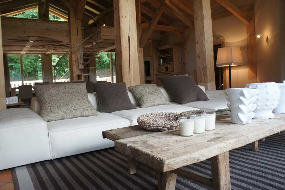 Maison hand lyon design et mobilier contemporain r alisation chantier 2011 chalet en montagne for Chalet design contemporain